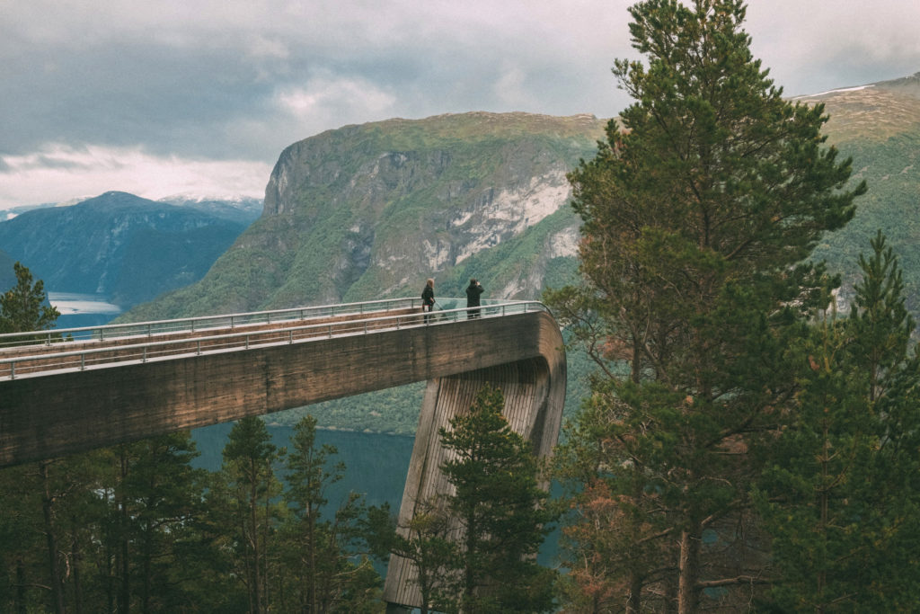 This image has an empty alt attribute; its file name is water-human-person-norway-bridge-building-scenery-aurlandsfjord-dam-grey-anyrgb-1024x683.jpg